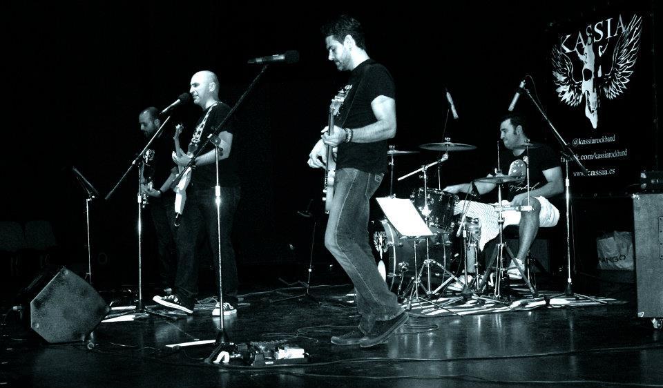 #RockandKilo iniciativa solidaria de Kassia ( @Kassiarockband )